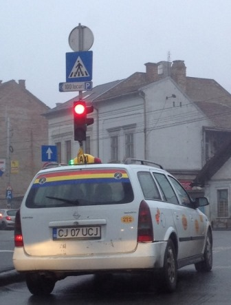 Taxi cu tricolor si Avram Iancu