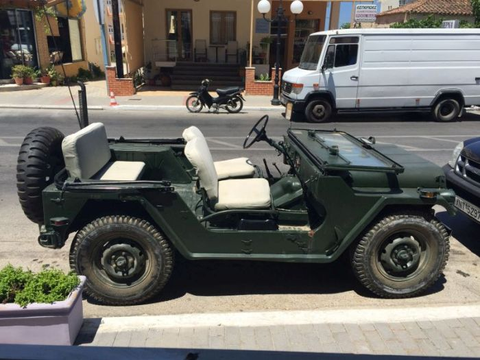 Jeep american de armata