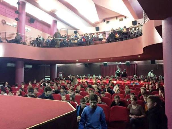 Filmul Usturoi la cinema Victoria, 17 dec 2015.jpg